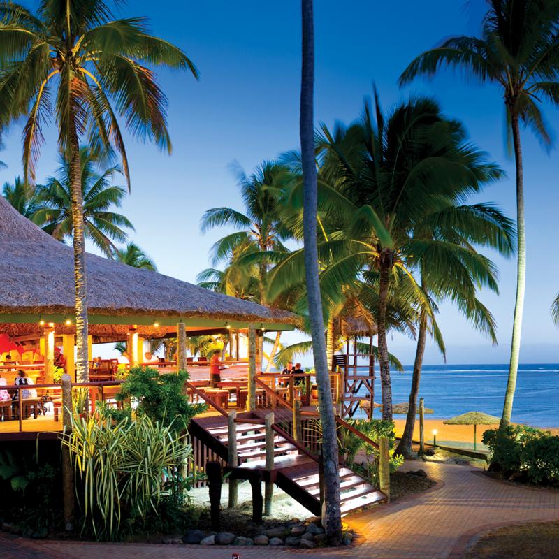 holiday outrigger beach resor